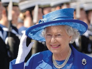 queen_waving_blue
